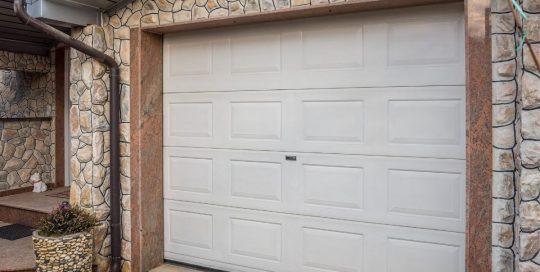 New Garage Door Installation In Sherwood By ETS Garage Door Of Portland OR